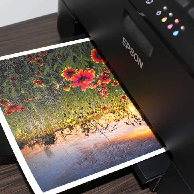Print on canvas with an inkjet printer